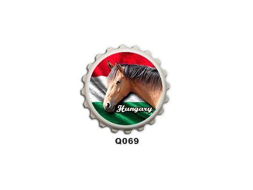 (Q069) Kupak mágnes 8 cm - Barna ló hungary – Lovas ajándékok