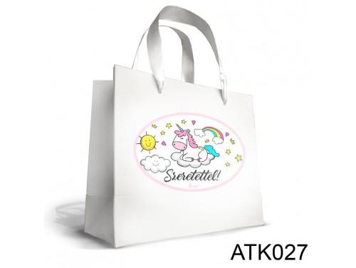(ATK027) Kicsi Dísztasak 18cm x 21cm - Unikornis felhőn - Unikornisos Ajándékok