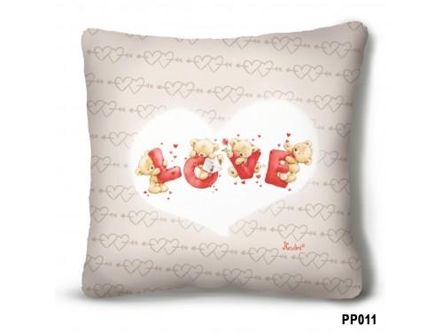(PP011) Plüss párna 23 cm x 23 cm - Macis LOVE – Évfordulós ajándék