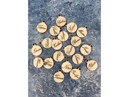 (FA002) Kicsi natúr fa karácsonyfa díszek 2cm - Feliratos díszek gömbök fenyőfához